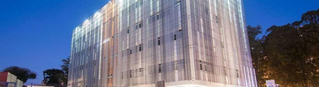 Escola com certificação leed platinum tem estrutura metálicas da gevo